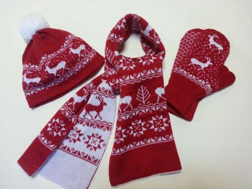Описание: Эксклюзивные подарки - вязаные варежки и шарфы с логотипом в подарочной  упаковке